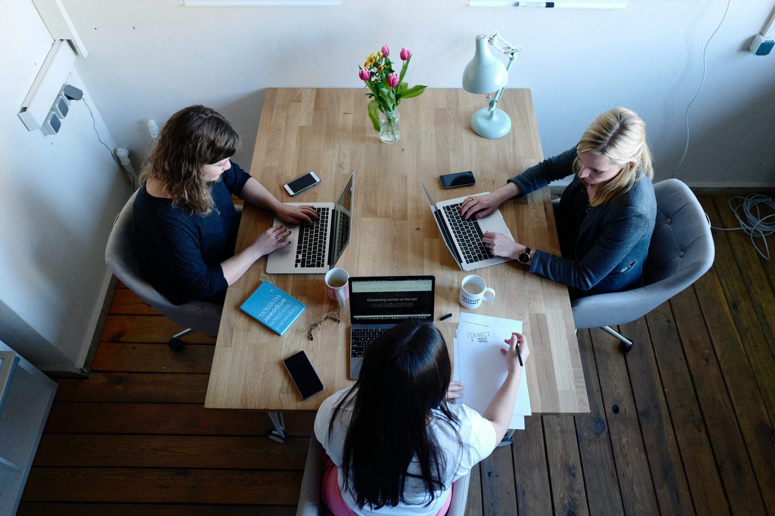 The 6 greatest online collaboration tools for hybrid teams